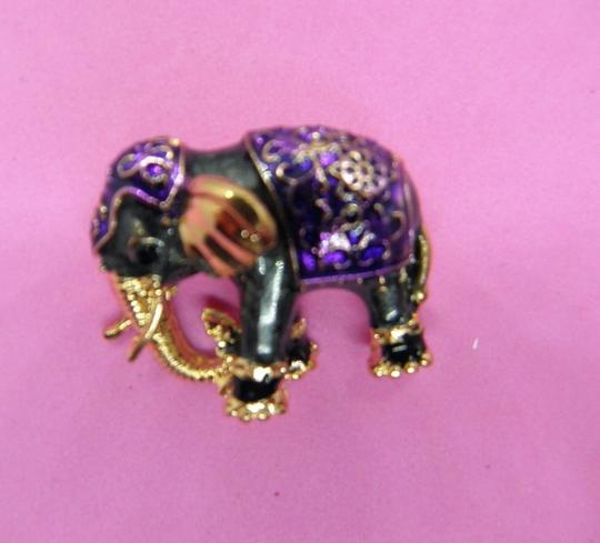 Other Adorable Elephant Brooch/Pin Image 5