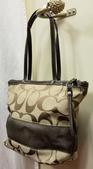 Coach Leather Shoulder Signature Logo Satchel Tote in Brown/Tan Image 5