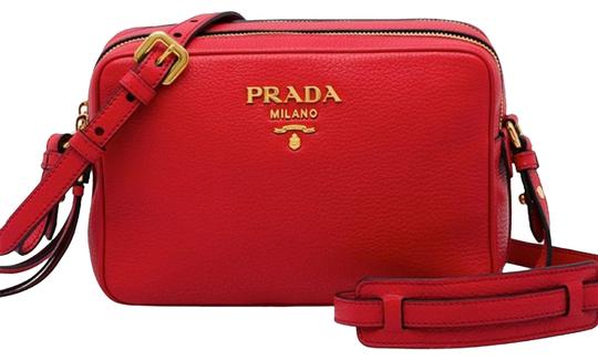 Preload https://img-static.tradesy.com/item/25577551/prada-phenix-women-s-vitello-handbag-1bh079-red-leather-cross-body-bag-0-2-540-540.jpg