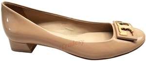 Tory Burch Round Toe T Logo Medallion Leather Lining Patent Leather Nude Pumps