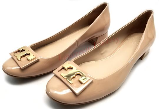 Tory Burch Round Toe T Logo Medallion Leather Lining Patent Leather Nude Pumps Image 3