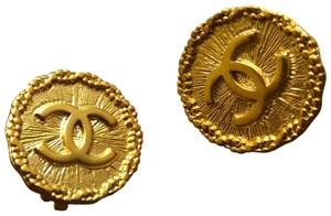 Chanel vintage coin earrings clip on