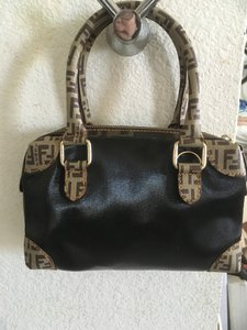 6cf22a1486 Fendi Bags on Sale - Up to 70% off at Tradesy