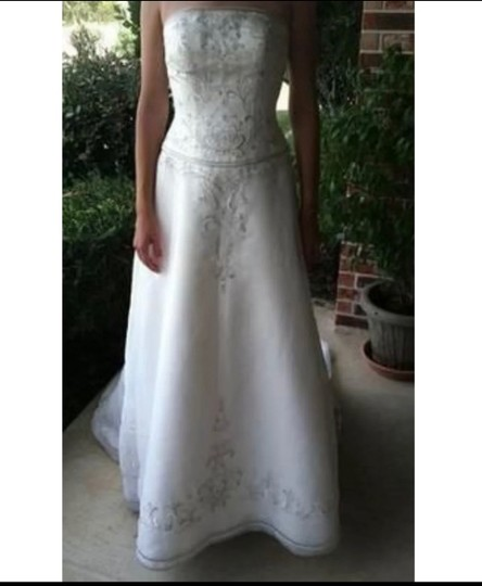 Preload https://img-static.tradesy.com/item/25581017/david-s-bridal-ivory-100-polyester-formal-wedding-dress-size-8-m-0-0-540-540.jpg