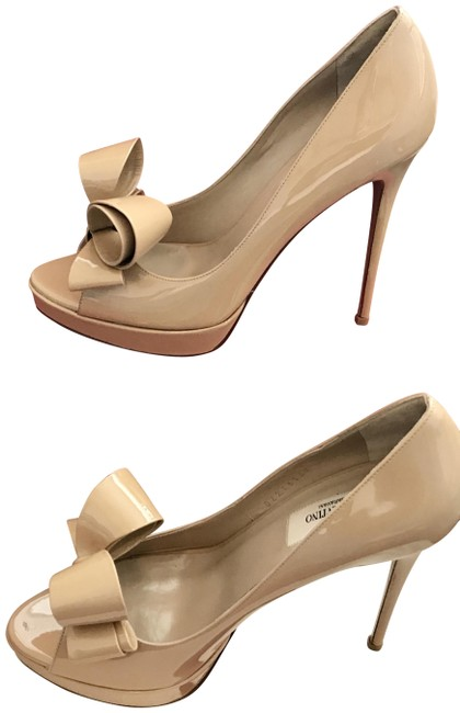 Item - Beige Couture Patent Leather Bow Pump Platforms Size EU 39 (Approx. US 9) Regular (M, B)