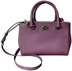 a9a3ccd70 Red Michael Kors Satchels - Up to 70% off at Tradesy
