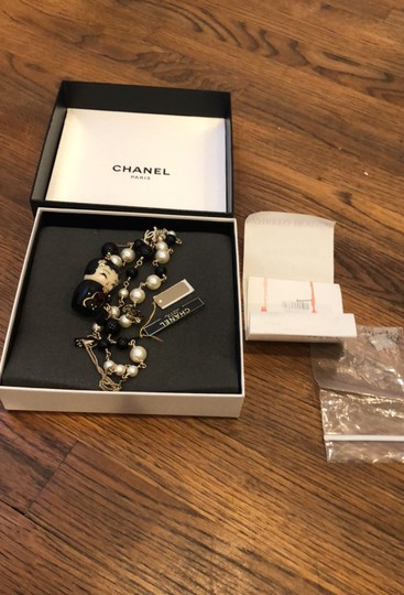 Chanel Japanese's doll and pearls Image 8