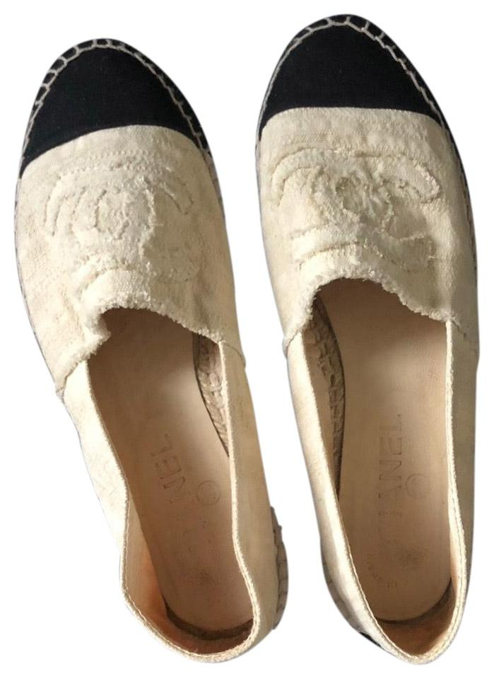 52f7487b3 Chanel Black and Cream Espadrilles Flats Size EU 40 (Approx. US 10 ...