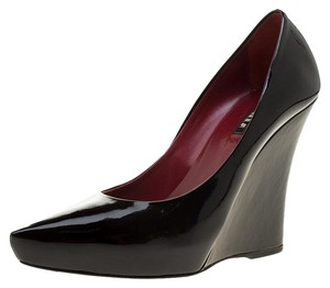 Le Silla Patent Leather Pointed Toe Leather Black Pumps