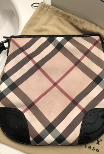Burberry Tote Image 9