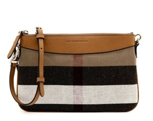 4b8dc14ed Burberry Bags and Purses on Sale - Up to 70% off at Tradesy
