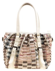 Burberry Patent Leather Tote in Cream