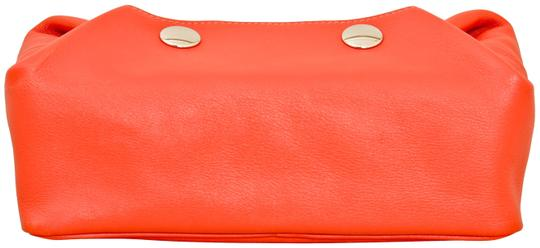 Preload https://img-static.tradesy.com/item/25586197/hermes-red-pouch-swift-leather-be-cosmetic-bag-0-2-540-540.jpg