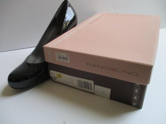 Bandolino Almond Toe Pewter Insoles Patent Leather Black Pumps Image 1