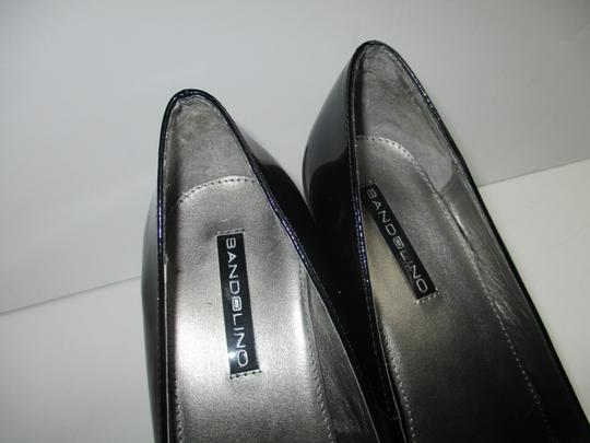 Bandolino Almond Toe Pewter Insoles Patent Leather Black Pumps Image 10