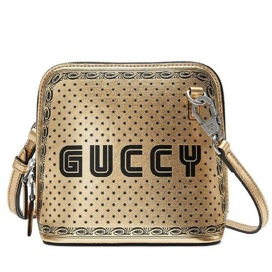 Preload https://img-static.tradesy.com/item/25587243/gucci-shoulder-dome-sega-script-mini-511189-1055-gold-leather-cross-body-bag-0-1-540-540.jpg