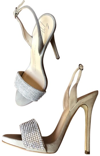 Preload https://img-static.tradesy.com/item/25587490/giuseppe-zanotti-beige-formal-shoes-size-us-5-regular-m-b-0-2-540-540.jpg