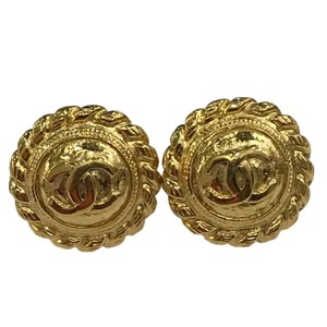 Chanel CHANEL Vintage CC Logos Earrings Gold-Tone Clip-On 7477