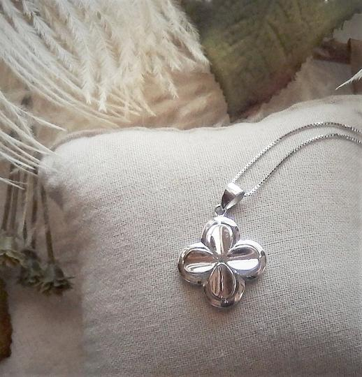Unknown Signed Italian Sterling Silver 4 Leaf Clover Flower 18 Inch Box Chain Image 1