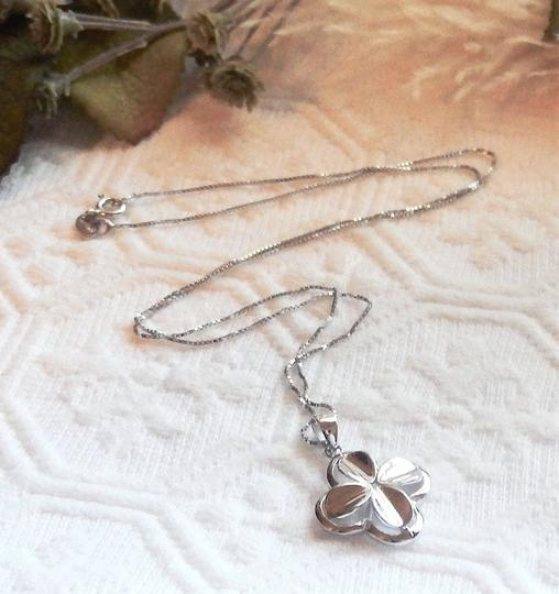 Unknown Signed Italian Sterling Silver 4 Leaf Clover Flower 18 Inch Box Chain Image 4