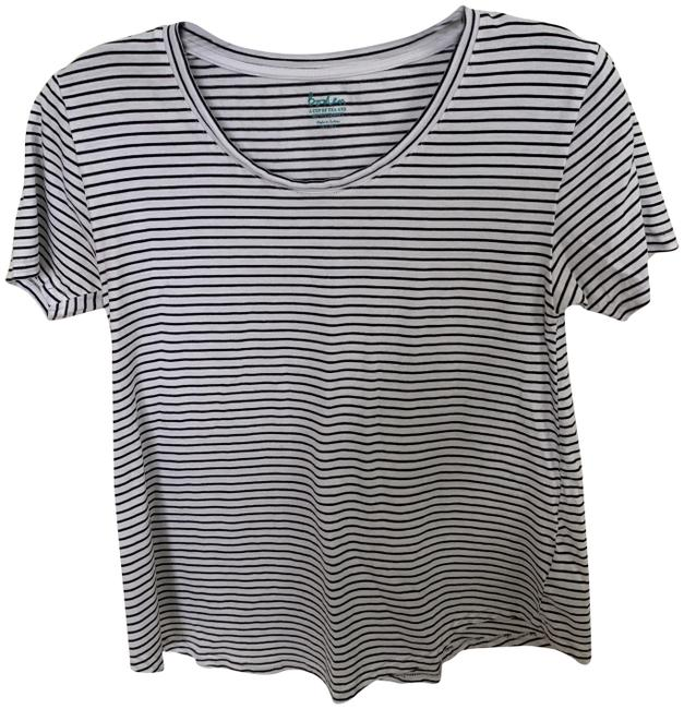 Preload https://img-static.tradesy.com/item/25587776/boden-white-and-black-stripe-scooped-hem-tee-shirt-size-2-xs-0-1-650-650.jpg