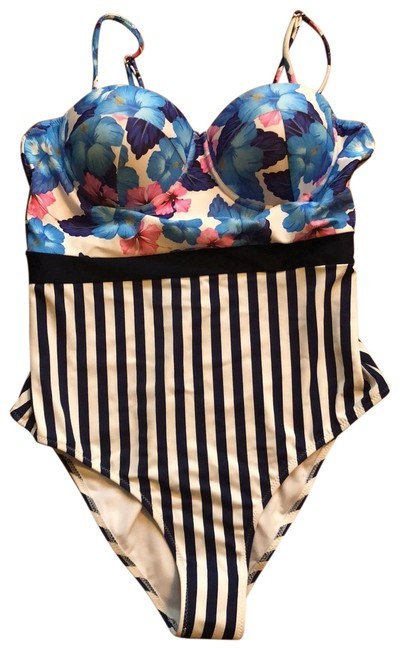 Item - Flowered Top Striped Bottom One-piece Bathing Suit Size 12 (L)