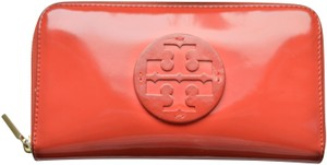 Tory Burch Tory Burch Coral Stacked Patent Zip Continental Wallet