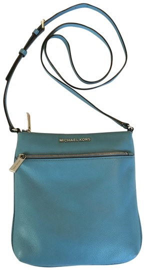 Preload https://img-static.tradesy.com/item/25588538/michael-michael-kors-light-blue-leather-cross-body-bag-0-1-540-540.jpg