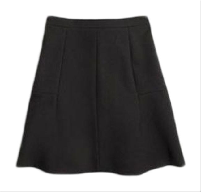Preload https://img-static.tradesy.com/item/25588960/jcrew-black-flared-skirt-size-8-m-29-30-0-1-650-650.jpg