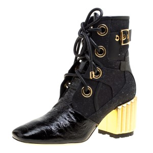 2b552717 Dior Boots & Booties Up to 90% off at Tradesy