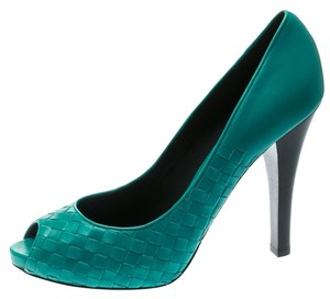 Bottega Veneta Leather Peep Toe Platform Green Pumps
