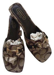 144254c5d Coach Sandals - Up to 70% off at Tradesy