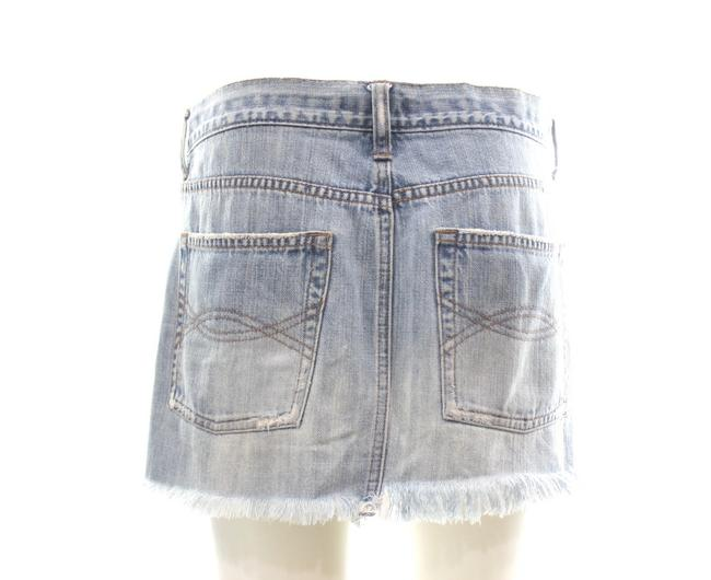 Preload https://img-static.tradesy.com/item/25592070/abercrombie-and-fitch-blue-off-denim-skirt-size-6-s-28-0-1-650-650.jpg
