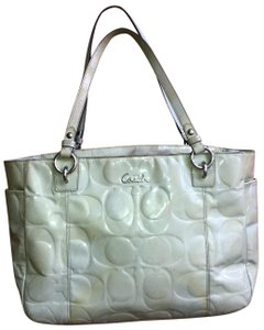 bc0d94b49 Coach Bags and Purses on Sale - Up to 70% off at Tradesy (Page 4)