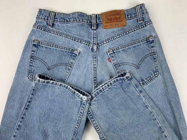 Vintage Levi's 565 Loose Fit Wide Leg Distressed Jeans Relaxed Fit Jeans-Light Wash Image 3