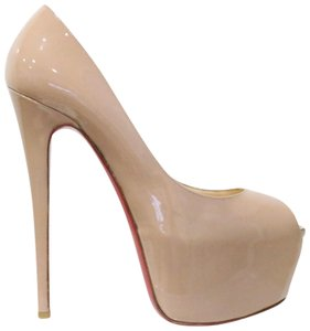 3ec3ea4e5d6 Christian Louboutin Pumps - Up to 70% off at Tradesy (Page 4)