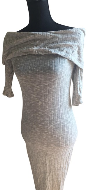 Item - Grey Body-hugging Off-the-shoulder Sweater Mid-length Short Casual Dress Size 8 (M)