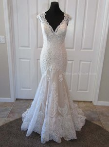 Allure Bridals Ivory/Champagne/Gold Lace 9468 Feminine Wedding Dress Size 14 (L)