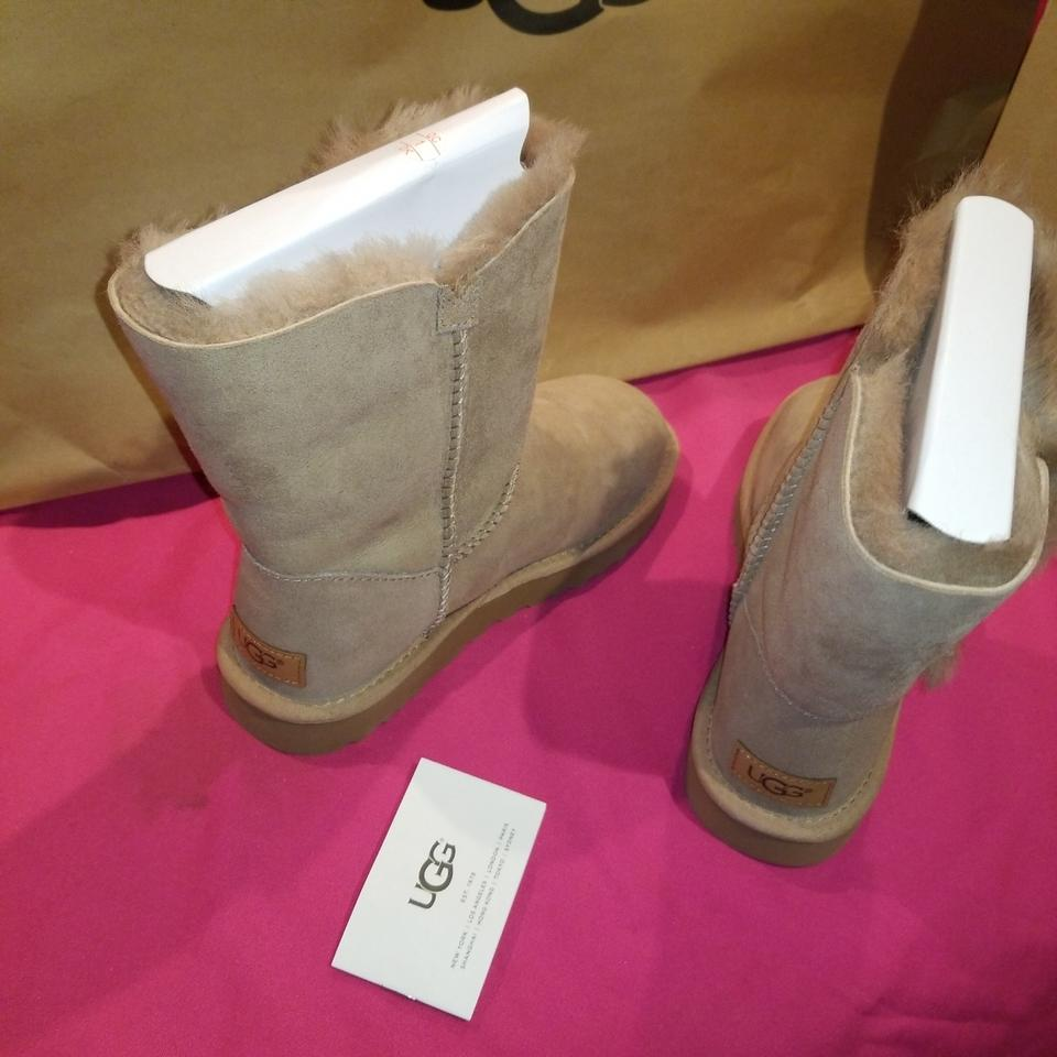 50b7241c58d UGG Australia Fawn W Bailey Button Ii Water Resistant Boots/Booties Size US  7 Regular (M, B) 24% off retail