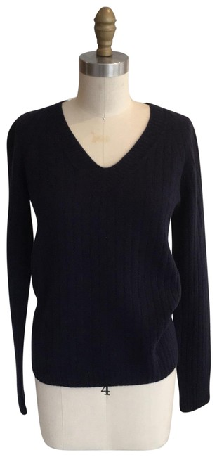 Preload https://img-static.tradesy.com/item/25597572/the-row-ribbed-no-care-label-fits-size-s-navy-sweater-0-1-650-650.jpg