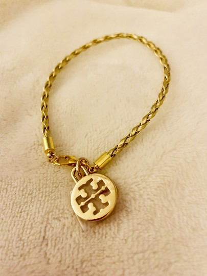 Tory Burch NWOT-COMES IN BEAUTIFUL TB GIFTBOX- Image 3