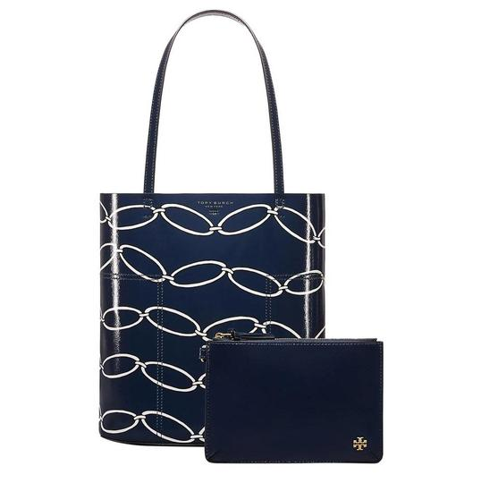 Preload https://img-static.tradesy.com/item/25599653/tory-burch-block-t-t-printed-medium-elliptical-link-crinkled-patent-leather-tote-0-0-540-540.jpg