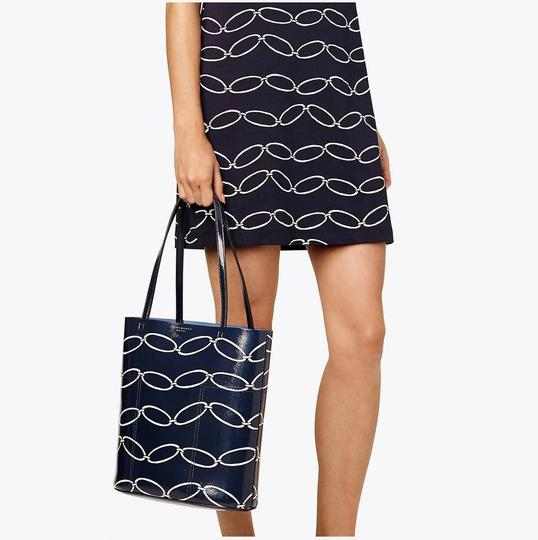 Tory Burch Tote in Elliptical Link Image 2