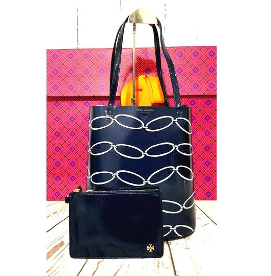 Tory Burch Tote in Elliptical Link Image 5