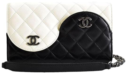 Preload https://img-static.tradesy.com/item/25599755/chanel-wallet-on-chain-classic-flap-rare-ying-yang-mini-woc-black-and-ivory-white-lambskin-leather-c-0-3-540-540.jpg