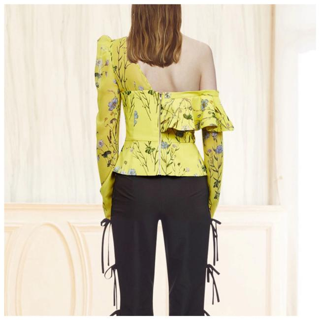 M Signature Label Collection Top Yellow Image 2