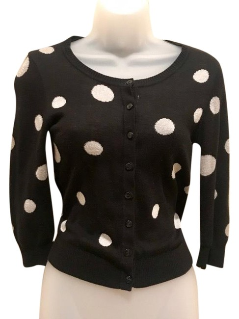 Preload https://img-static.tradesy.com/item/25599989/h-and-m-black-silver-fifties-inspired-polka-dot-sweater-cardigan-size-2-xs-0-1-650-650.jpg