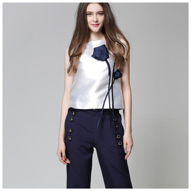 Preload https://img-static.tradesy.com/item/25599996/white-and-blue-the-zuwena-silky-3d-flower-blouse-size-2-xs-0-0-650-650.jpg