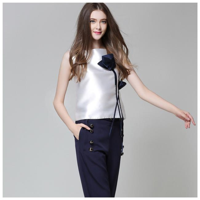 ME Boutiques Private Label Collection Top White & Blue Image 2