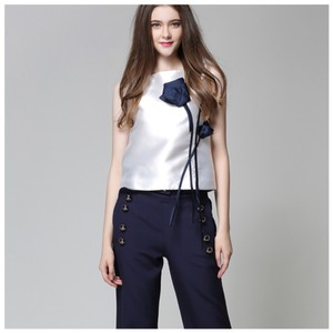 ME Boutiques Private Label Collection Top White & Blue